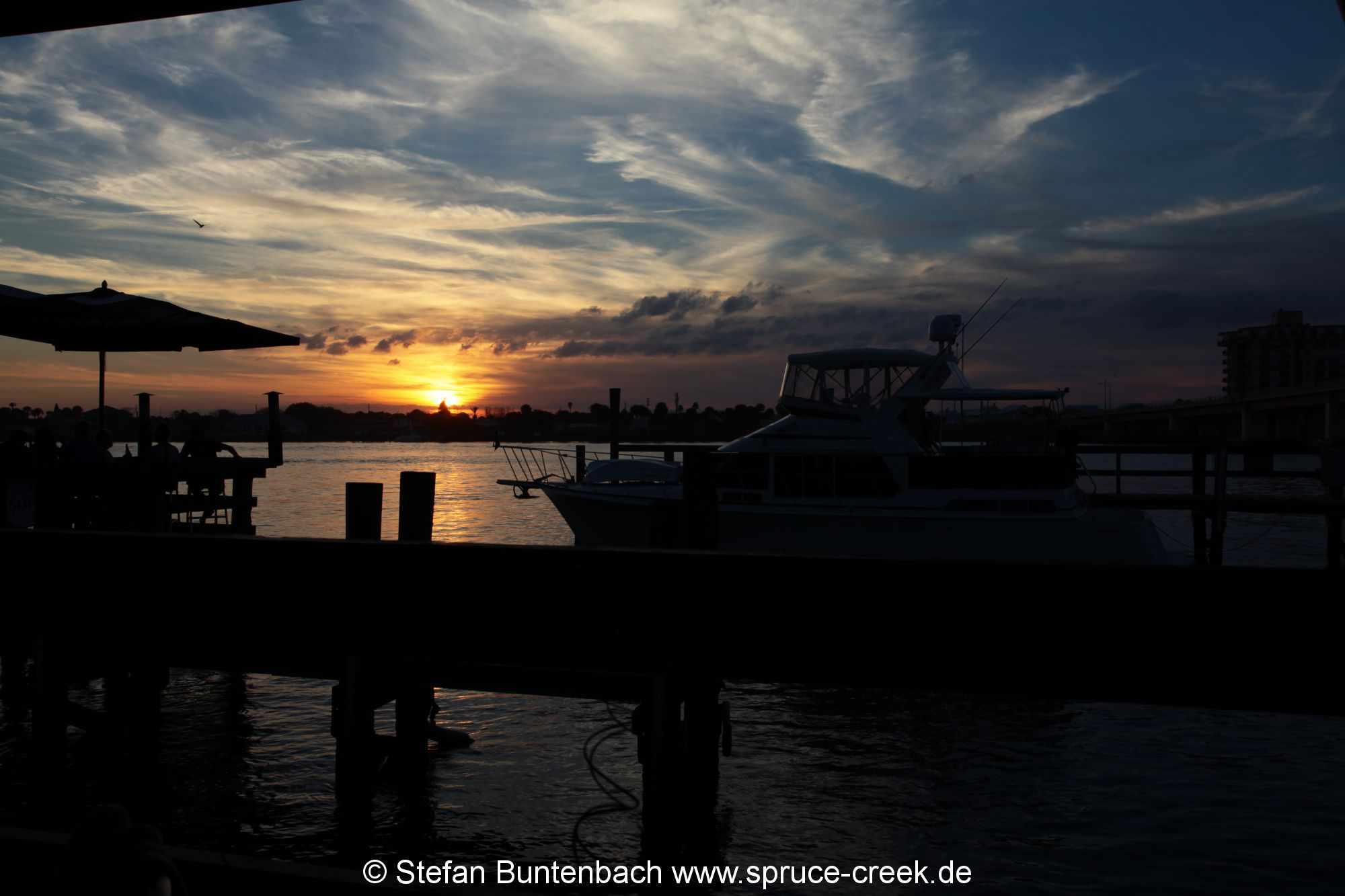 Sonnenuntergang beim Grille at Riverview in New Smyrna Beach