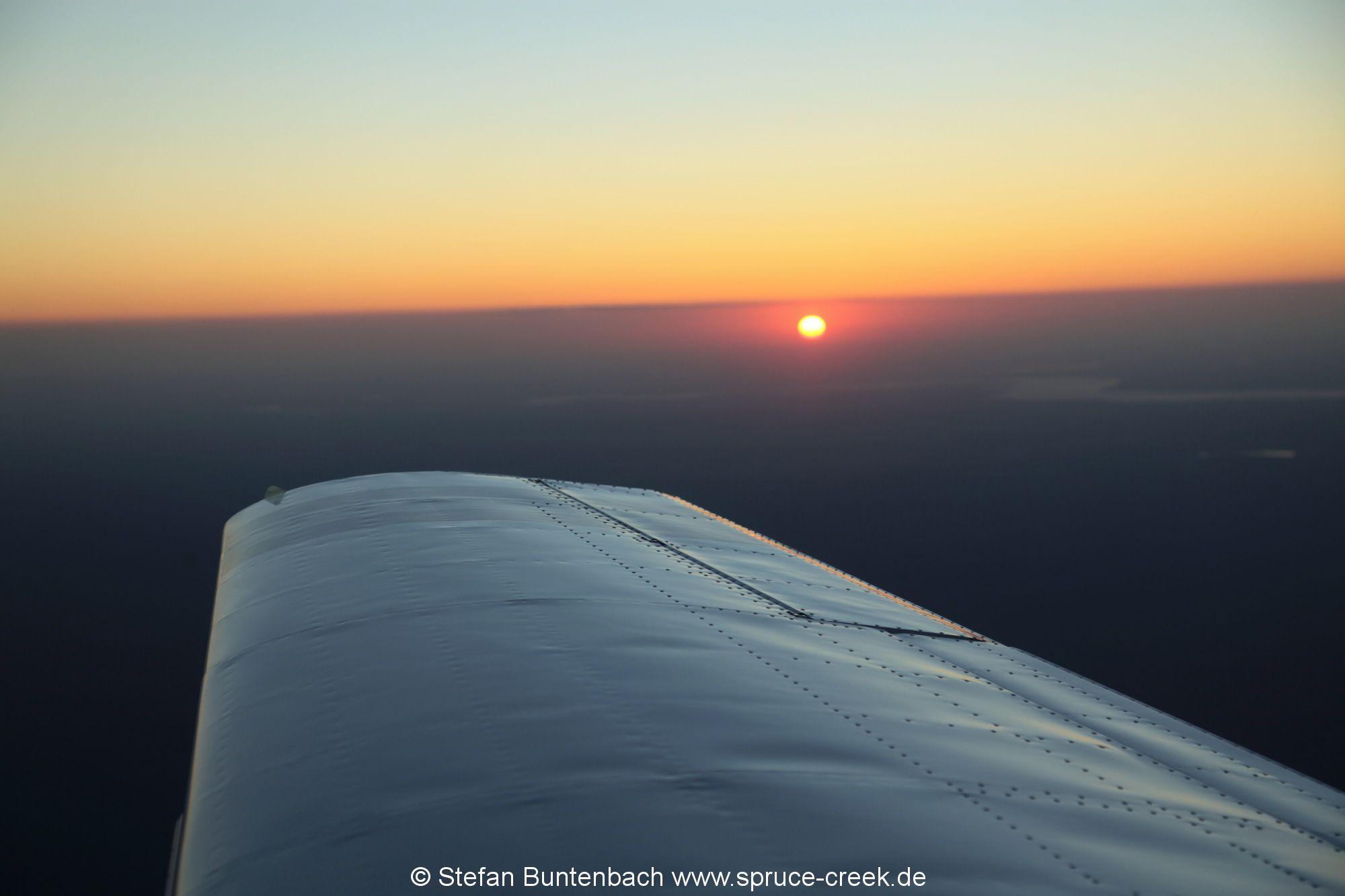 Sunset view from Mooney M20 F, N6377Q --- Mooney M20 IMG_6782fl2010