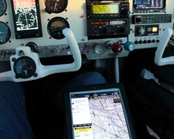 Wing X Pro on the Ipad works perfect in addition to the on board Equipment, Mooney M20f, N6377Q . --- Mooney M20F IMG_1133