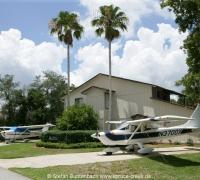 Einblicke in die Spruce Creek Fly In Community in Florida in der Nähe von Daytona Beach. Views of Spruce Creek Fly In Community in Florida near Daytona Beach. Photo: Copyright Stefan Buntenbach www.spruce-creek.net