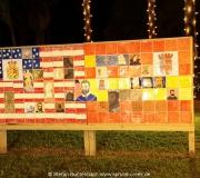 Tafel mit Wappen und historischen Personen in St Augustine in Florida.