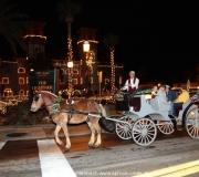 Pferdekutsche in St Augustine in Florida bei Nacht.