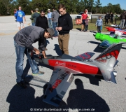 Auch eine Show mit Modellflugzeugen gehört zur alljährlichen Toyparade in Spruce Creek  -- Impressionen von der Spruce Creek Toyparade 2014 IMG7430