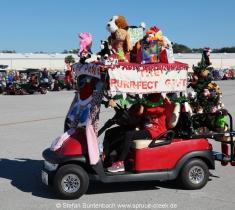 Weihnachtlich dekoriertes Golfauto auf der Spruce Creek Toyparade 2014: Impressionen von der Spruce Creeek Toyparade 2014 IMG_7502