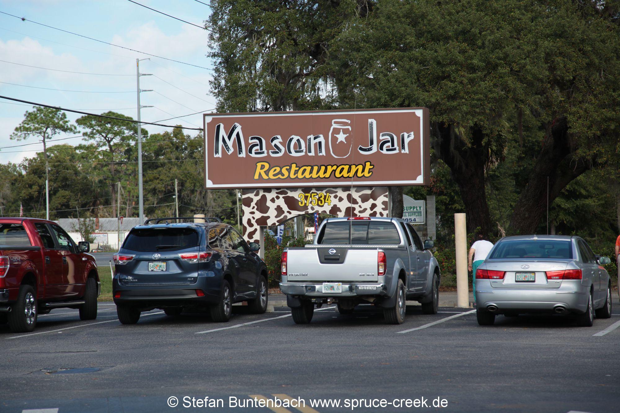 The Mason Jar: uriges Restaurant in Umatilla, Florida. --- IMG_7999