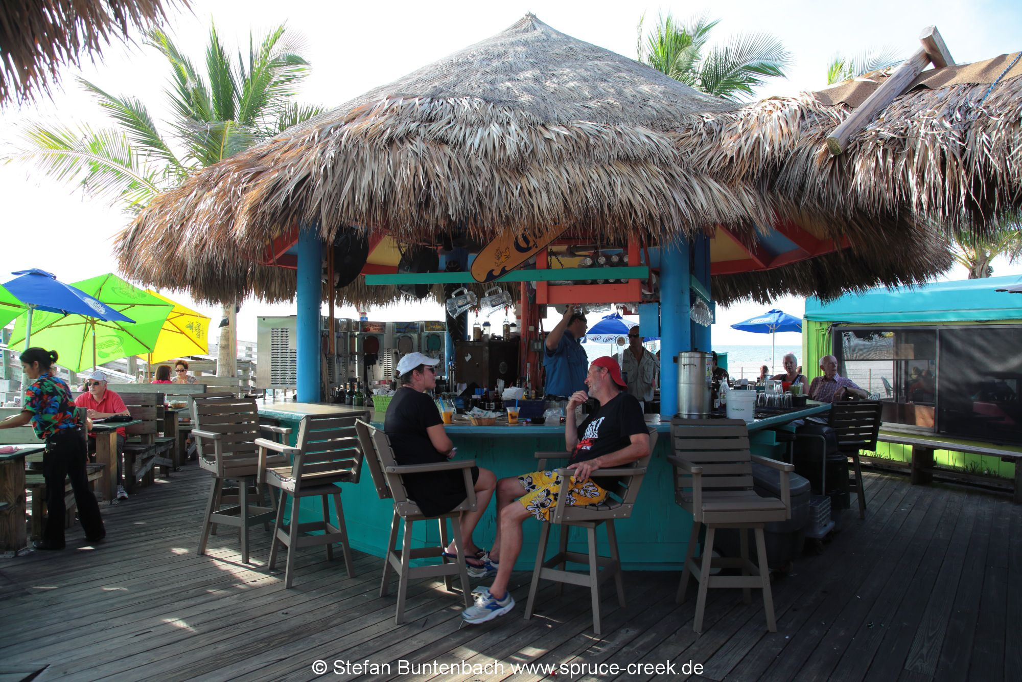 Karibisches Flair im Sharky's Restaurant in Venice in Florida am Strand.