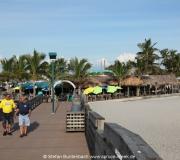 Direkt an der Pier von Venice in Florida liegt das Sharky's Restaurant. Hier im Hintergrund zu sehen.