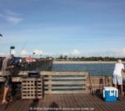 Angler auf der Pier in Venice, Florida.